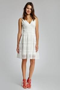 ff8f1c44783a9 Une alternative à la robe de mariée : la petite robe blanche / Sélection à  découvrir
