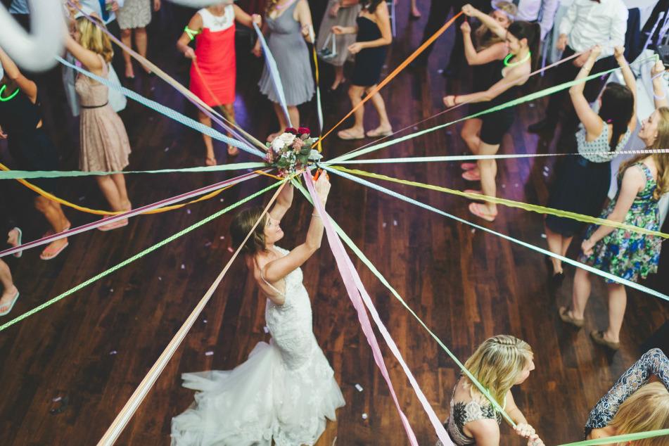 mariage-bouquet-rubans-the-great-palette