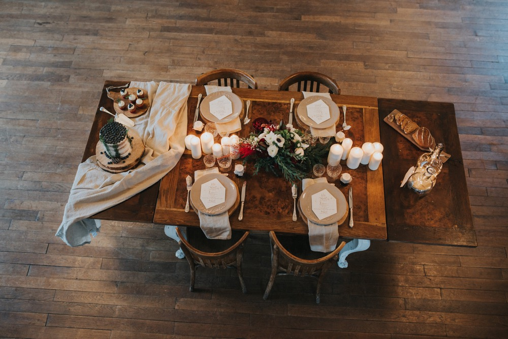 Des idées pour un mariage pourpre par La Fabrique des Instants - Photographe : Vogue Photography