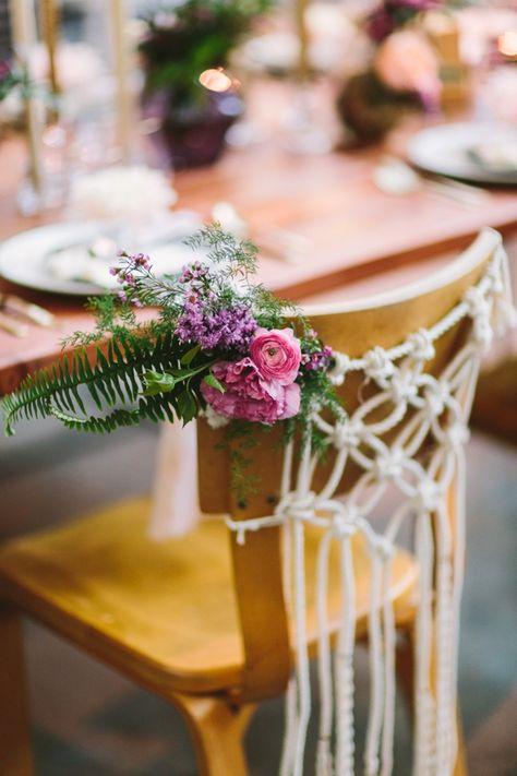 Macramé et chaises des mariés
