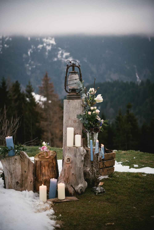 Décoration de cérémonie laïque by Lilas Wood, designer floral mariage près de Lyon - Photographe : Zéphyr et Luna