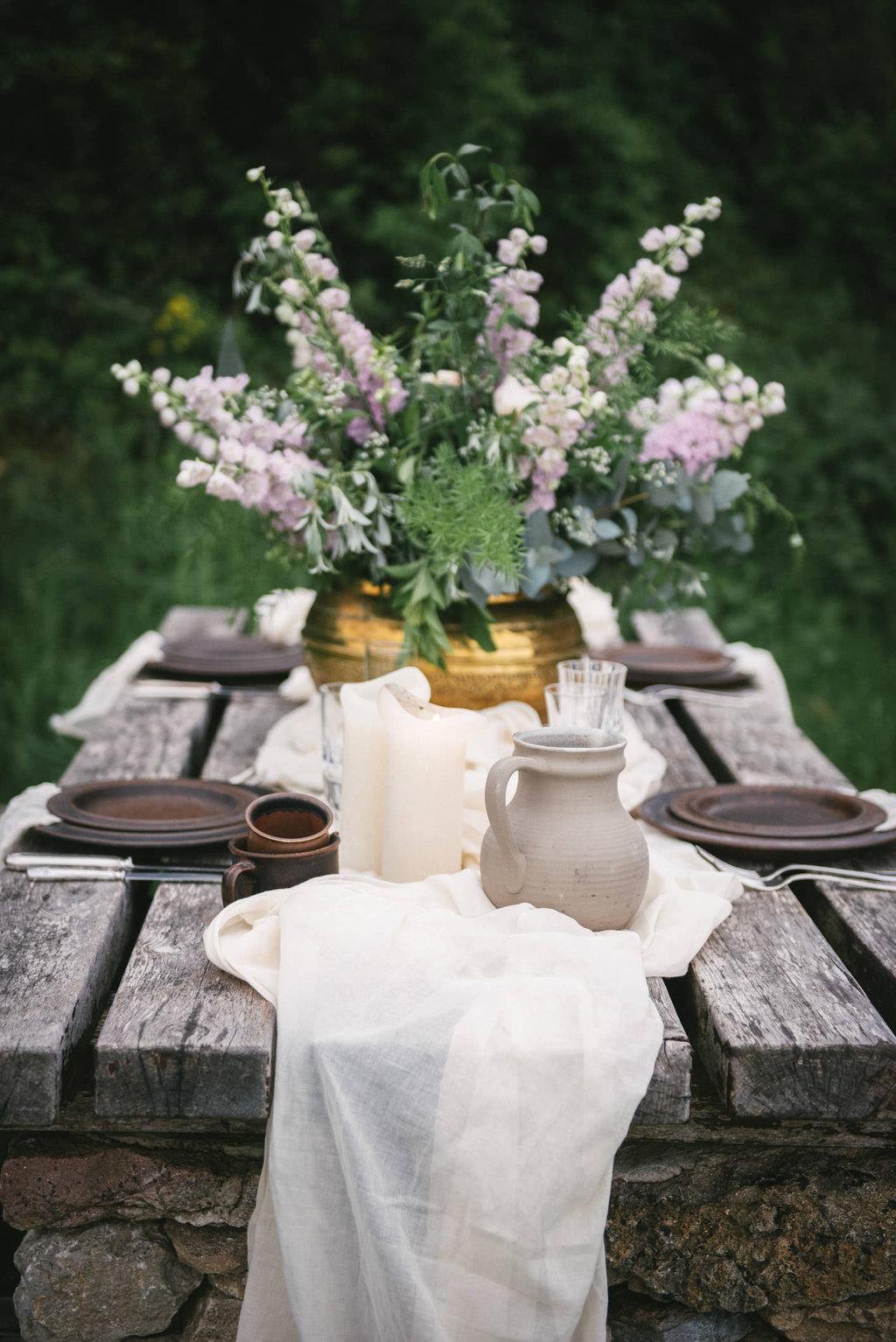Centre de table by Lilas Wood, designer floral mariage près de Lyon - Photographe : Zéphyr et Luna