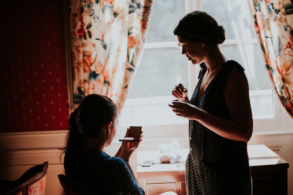 Préparatifs de la mariée à La Commanderie - Photographe : Madame A Photographie