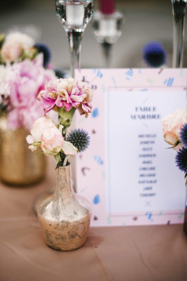 Centre de table rose et bleu - Photographe : He Capture
