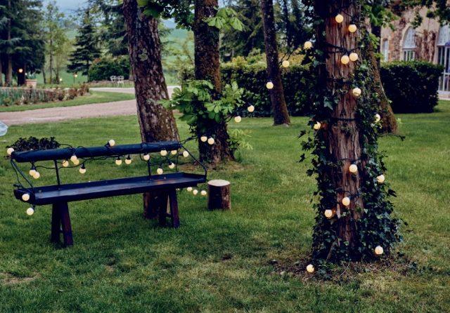 Guirlandes guinguette pour la décoration de votre mariage - By Velvet Rendez-Vous
