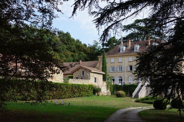 Extérieurs et jardins du Domaine de Chanille près de Lyon