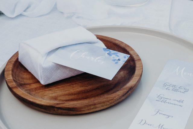 Papeterie de mariage contemporaine et chic - Créée par River Fabric - Photographe : Sophie Masiewicz Photographie