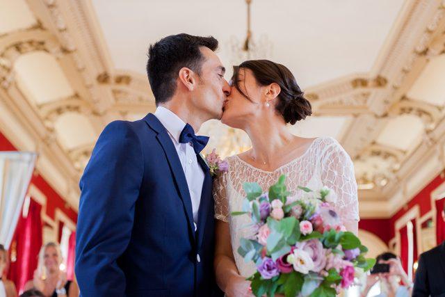 Jeunes mariés - Un mariage d'été dans le Val de Marne - Photographe : Marine Blanchard