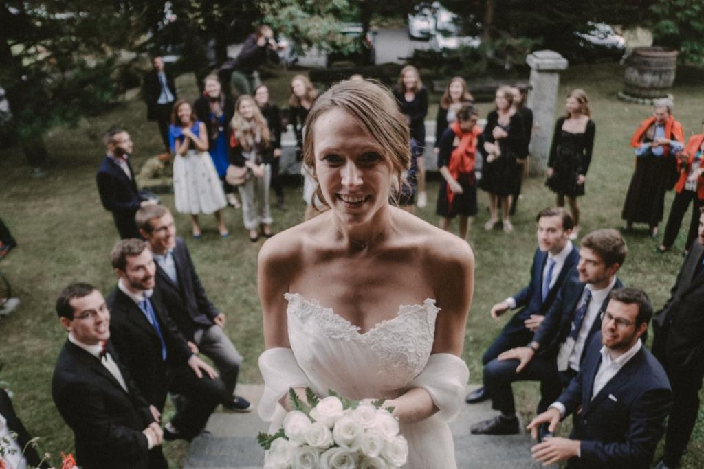 Photo de groupe avec la mariée - Photographe : Gerald Mattel