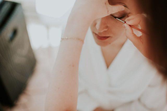 Mise en beauté mariée - Photographe : Madame A Photographie