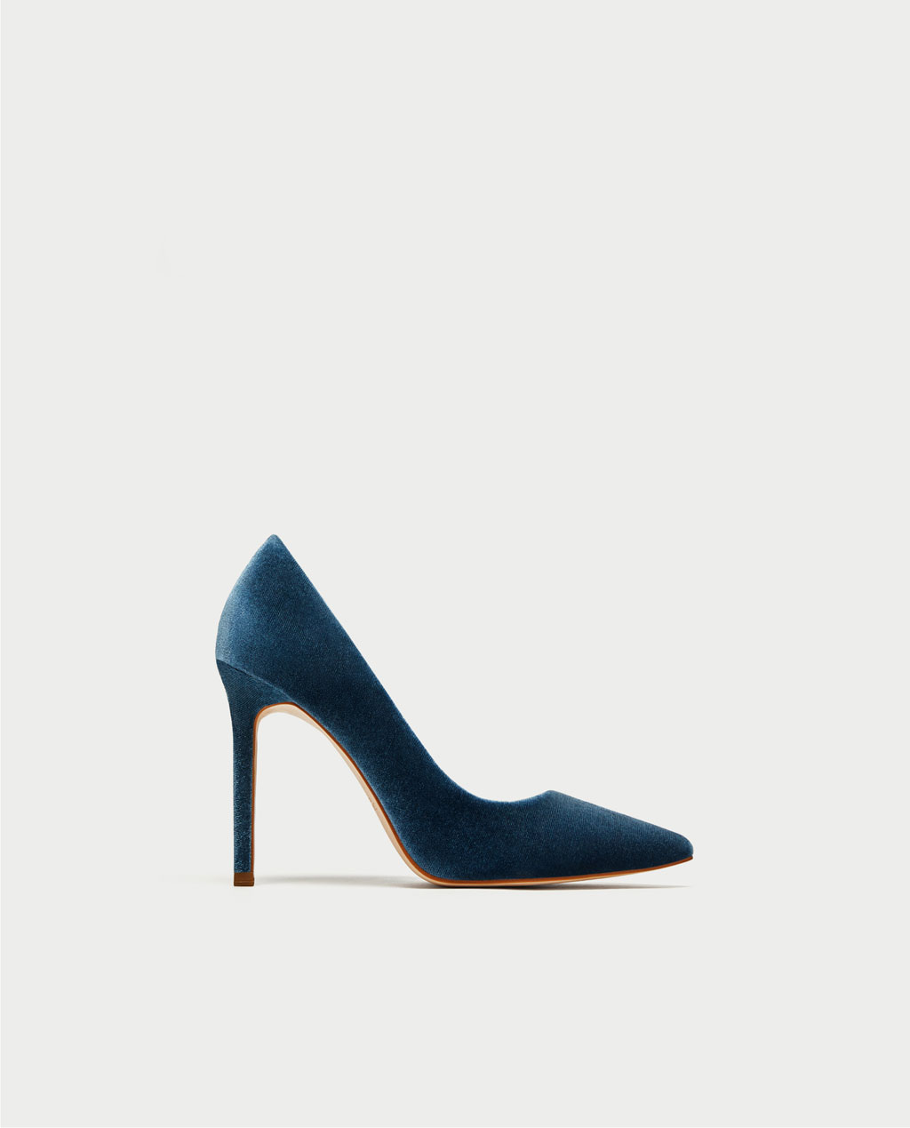 10. escarpins-hauts-velours-bleu-chaussures-mariee