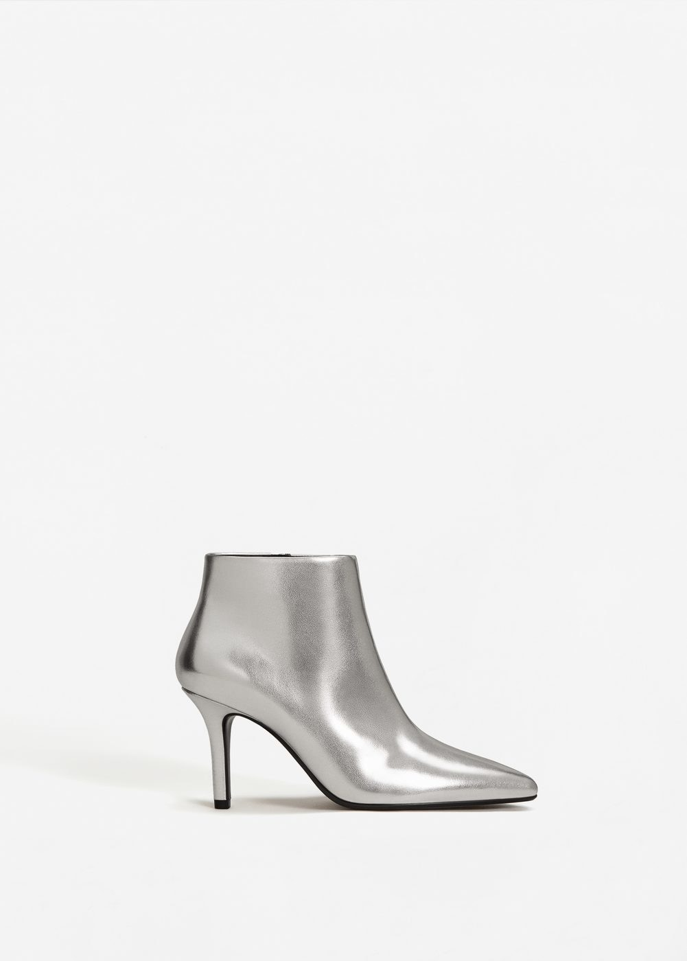 16. boots-mariee-metalisees-argent