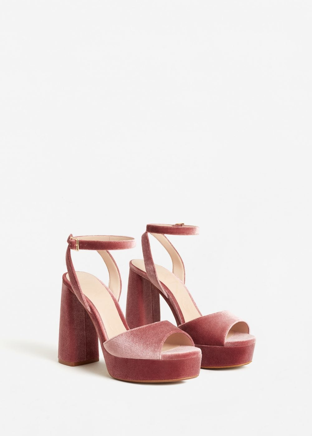17. sandales-talons-carre-velours-rose-chaussures-mariee